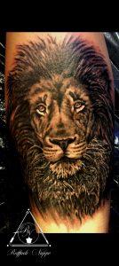 Tattoo realistico leone